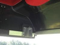 Halterung des Höhenleitwerks und die hintere Flächenhalterung. Die Seitenleitswerkshutze ist mit Teppich beklebt.